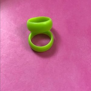 Size 9 silicone ring in lime green